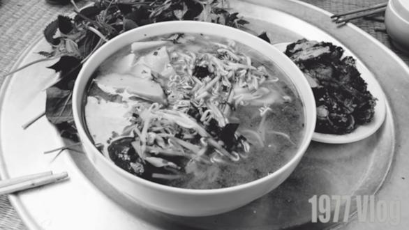 1977 Vlog đến làng Vũ Đại, phát hiện Chí Phèo săn tê giác, tê tê... - Ảnh 3.