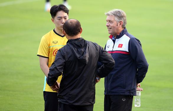 Giám đốc kỹ thuật của liên đoàn bóng đá: Vị trí nhiều thử thách - Ảnh 1.