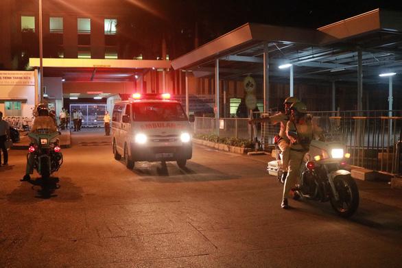 Bệnh viện cảm ơn CSGT hộ tống lá gan từ sân bay kịp ghép cho bệnh nhân - Ảnh 2.