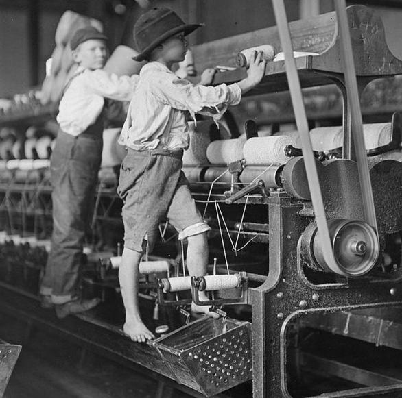 Quốc tế thiếu nhi: Bao giờ hết nạn lao động trẻ em? - Ảnh 2.