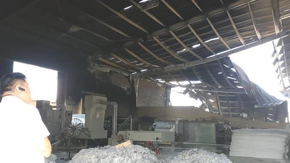 Lại cháy lớn ở Công ty may Sài Gòn Max, hơn 300m2 nhà máy bị thiêu rụi - Ảnh 3.