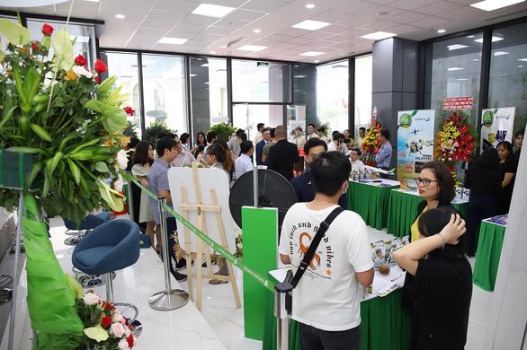 'Săn' vé bay ưu đãi tại lễ khai trương phòng vé Bamboo Airways - Ảnh 4.