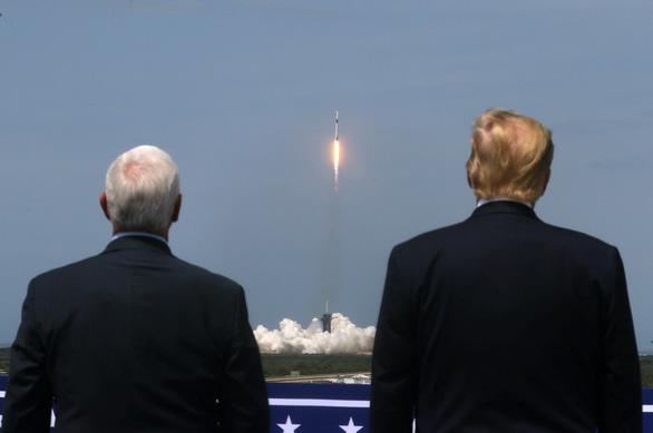 Mỹ tự tin khi Rồng vào không gian - Ảnh 1.