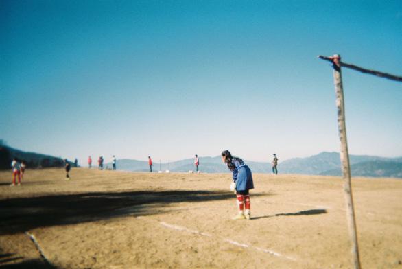 Chùm ảnh: Bóng đá trên đỉnh thế giới: Một giải đấu chẳng giống ai - Ảnh 8.