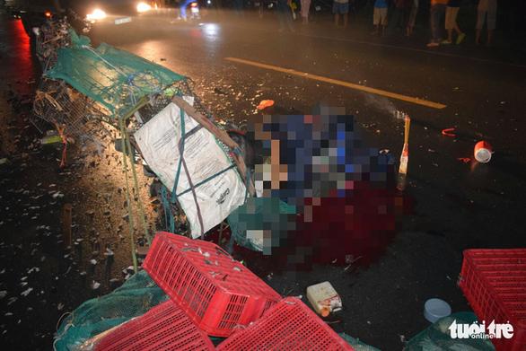 Xe máy tông nhau, hai người đàn ông chết thảm tại chỗ - Ảnh 2.
