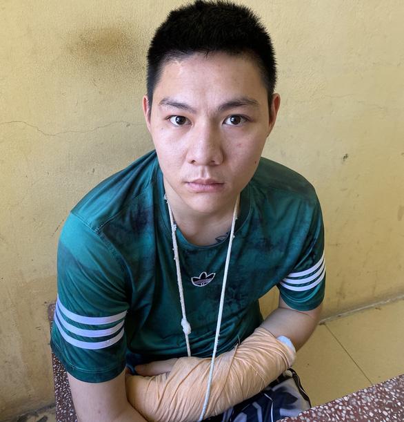 Bắt giữ nghi phạm cướp tiệm vàng ở TP Thanh Hóa - Ảnh 1.