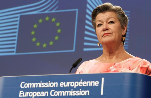 EU mở cửa biên giới nội khối từ 15-6 - Ảnh 1.