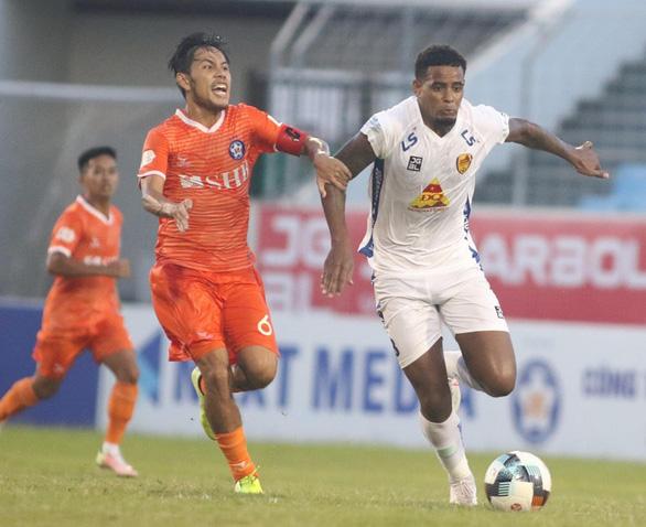 Quảng Nam thảm bại 1-6 trên sân Hòa Xuân - Ảnh 2.