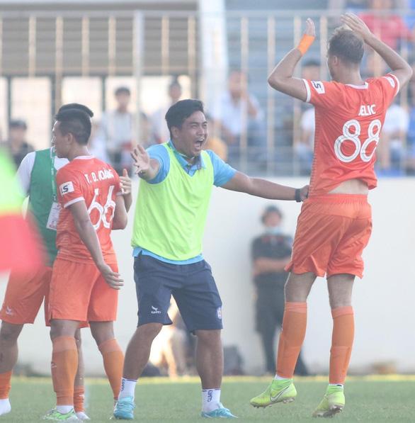 Quảng Nam thảm bại 1-6 trên sân Hòa Xuân - Ảnh 1.