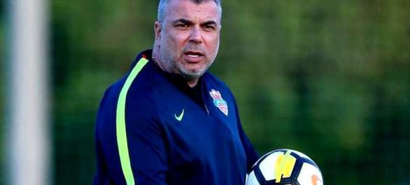 Ông Olaroiu từ chối làm HLV tuyển UAE do vướng hợp đồng ở Trung Quốc - Ảnh 1.