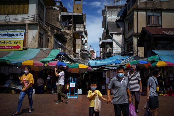 Thái Lan sẽ dỡ bỏ lệnh giới nghiêm từ ngày 15-6 - Ảnh 1.
