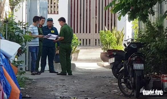 Phong tỏa hiện trường vụ nghi phóng hỏa nhà trọ làm 3 người chết - Ảnh 5.