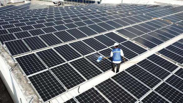 Đầu tư điện mặt trời: vừa dùng - vừa tạo nguồn thu cho doanh nghiệp - Ảnh 1.