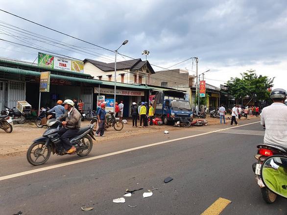 Tai nạn kinh hoàng: xe tải trọng lớn lao thẳng vô chợ, 5 người chết - Ảnh 4.