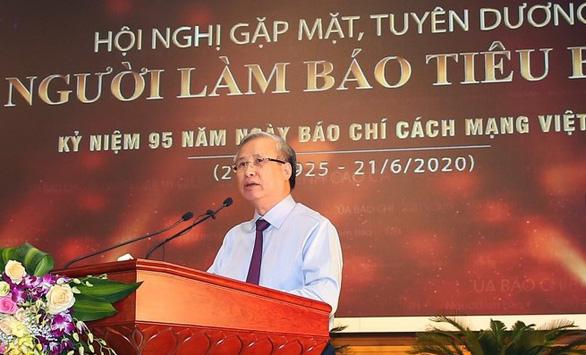 Thủ tướng Nguyễn Xuân Phúc: 'Báo chí phải phò chính diệt tà' - Ảnh 1.