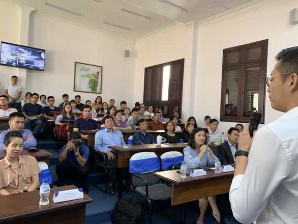 Đại học đầu tiên ở TP.HCM cho sinh viên nghỉ học từ ngày 3-8 để chống dịch - Ảnh 1.