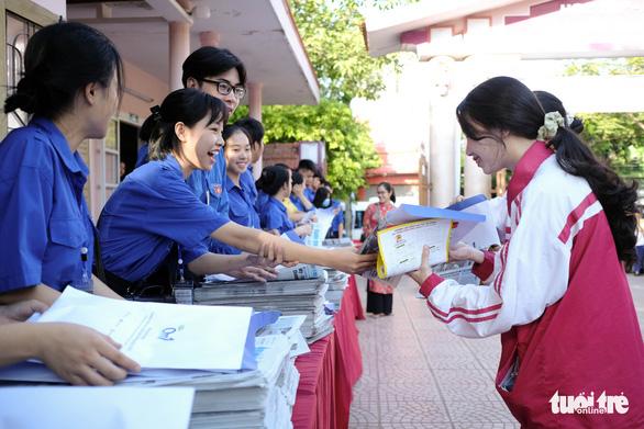 Tư vấn tuyển sinh - hướng nghiệp lần đầu đến Quảng Trị - Ảnh 4.