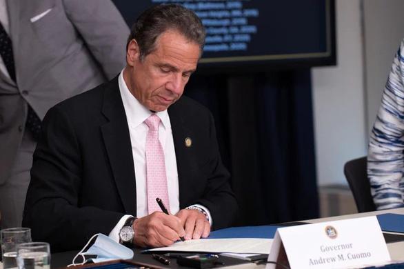 New York bãi bỏ điều luật đóng dấu mật hồ sơ sai phạm của cảnh sát - Ảnh 1.