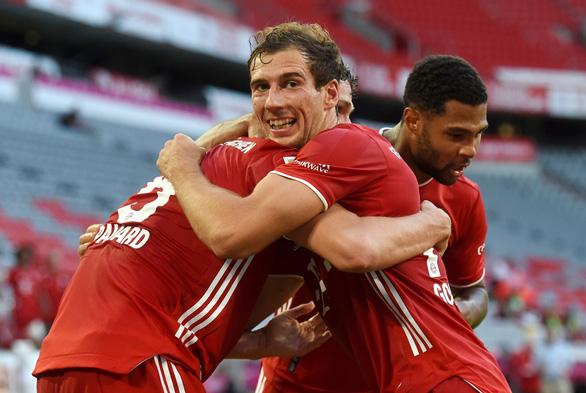 Hạ Monchengladbach, Bayern Munich chạm tay vào chức vô địch - Ảnh 2.