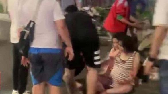 Thanh niên say rượu lái xe máy tông thai phụ sẩy thai - Ảnh 1.