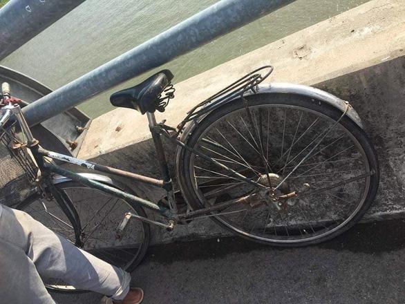 Bị mắng vì đi chơi cả ngày, nữ sinh lớp 9 đạp xe lên cầu nhảy sông tự tử - Ảnh 3.