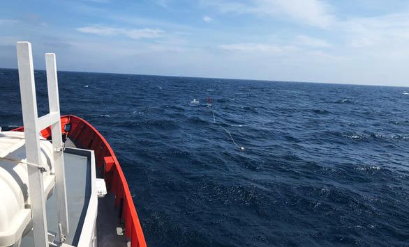 Tìm thấy 4 thi thể ngư dân vụ tàu hàng va chạm tàu cá trên vùng biển Hải Phòng - Ảnh 1.