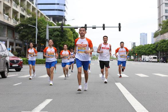 Hơn 20% số người người tham gia đã hoàn thành Giải chạy bộ hưởng ứng Ngày không tiền mặt 2020 - Ảnh 2.