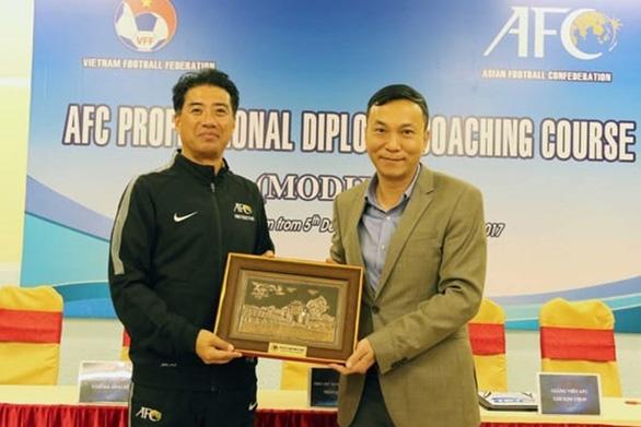 Giám đốc kỹ thuật mới của VFF sẽ cách ly 2 tuần khi đến Việt Nam - Ảnh 1.