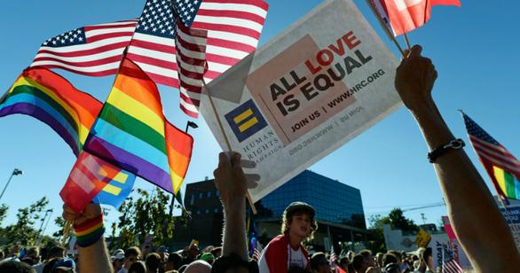 Một phán quyết lịch sử cho cộng đồng LGBT ở Tòa tối cao Mỹ - Ảnh 1.