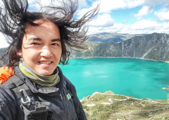 Phượt thủ Đăng Khoa về nước sau hơn 1.000 ngày vòng quanh thế giới bằng xe máy - Ảnh 10.