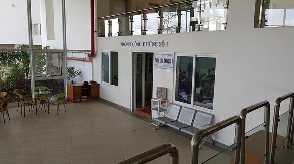 Tạm giam thêm 3 công chứng viên vụ vợ giám đốc Sở Tư pháp tỉnh Lâm Đồng lừa đảo - Ảnh 2.
