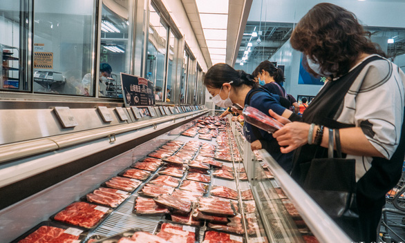 Trung Quốc ngừng nhập cá hồi châu Âu vì nghi cá nhiễm virus corona - Ảnh 1.