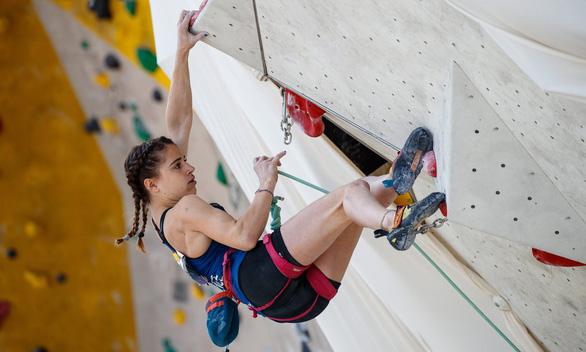 Nhà vô địch thế giới Douady rơi vách núi 150m tử nạn ở tuổi 16 - Ảnh 1.