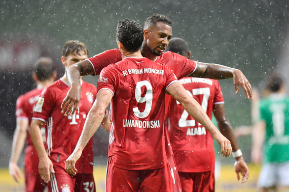 Lewandowski ghi bàn thứ 46 giúp Bayern Munich vô địch sớm 2 vòng đấu - Ảnh 2.