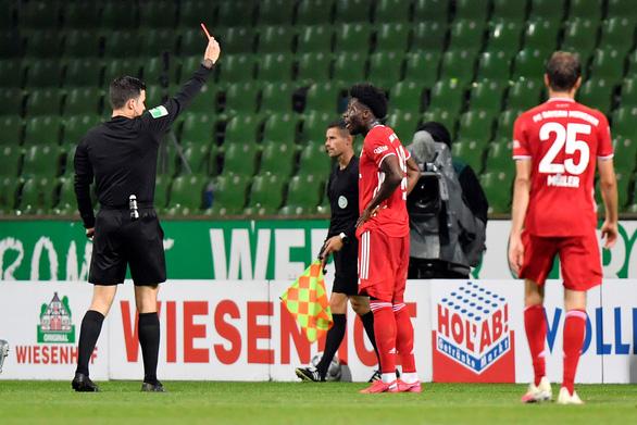 Lewandowski ghi bàn thứ 46 giúp Bayern Munich vô địch sớm 2 vòng đấu - Ảnh 3.