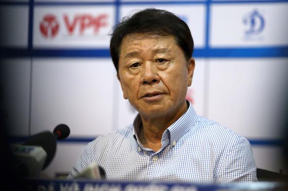 HLV Chung Hae Soung vui vì phong độ của Công Phượng và Huy Toàn - Ảnh 1.