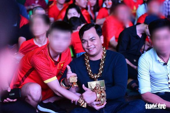 Đại gia đeo vàng Phúc XO bị từ chối bào chữa - Ảnh 3.