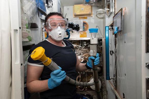 Trạm vũ trụ quốc tế sẽ có hệ thống xử lý chất thải xịn, thân thiện với phụ nữ - Ảnh 1.