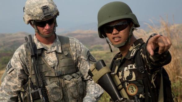 Trung Quốc đẩy Philippines quay lại hợp tác với Mỹ - Ảnh 3.