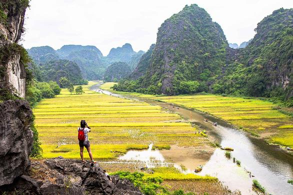 Ninh Bình được đăng cai tổ chức tiếp Năm du lịch quốc gia 2021 - Ảnh 1.