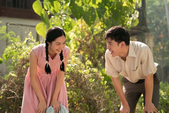 Cơn mưa tình đầu: Son Ye Jin đẹp thổn thức, ngọc nữ Thái Mint đẹp hút hồn - Ảnh 5.