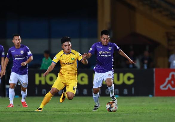 Sân Hàng Đẫy: Vị đắng cho đương kim vô địch V-League - Ảnh 4.