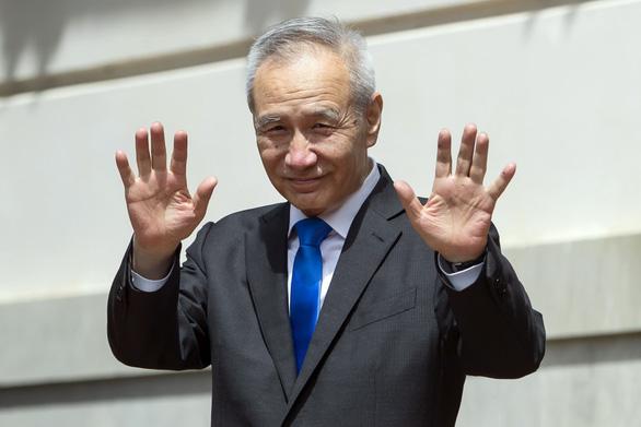 Trung Quốc trấn an nhà đầu tư nước ngoài khi sắp áp luật an ninh Hong Kong - Ảnh 1.