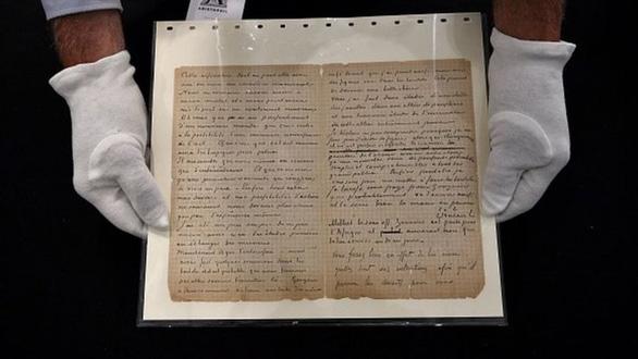 Bức thư về chuyến đi nhà thổ của 2 danh họa Van Gogh, Gauguin bán 210.000 euro - Ảnh 1.
