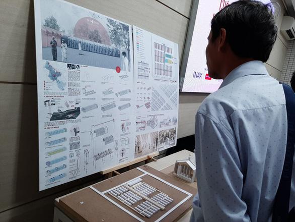 Với dân kiến, nhà thi đấu Phú Thọ, phố đi bộ Bùi Viện có thể làm... bệnh viện dã chiến - Ảnh 1.