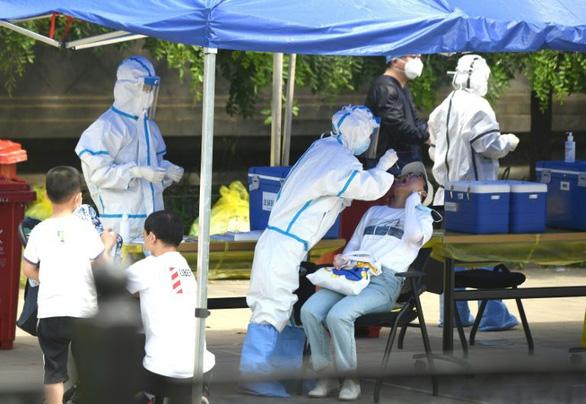 Có thể virus ở ổ dịch Bắc Kinh đã đi từ Vũ Hán sang châu Âu rồi quay lại Trung Quốc - Ảnh 1.