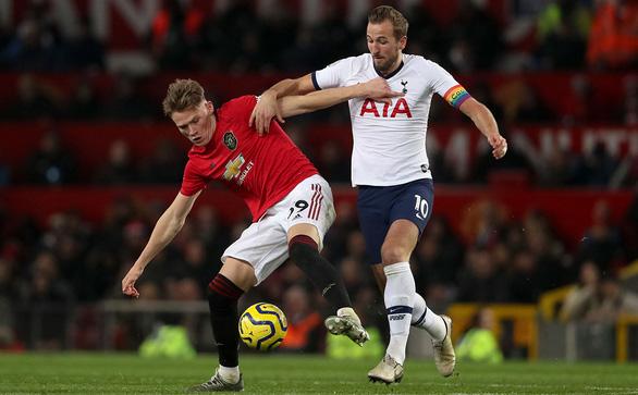 Vòng 30 Giải ngoại hạng Anh (Premier League): Gà trống đại chiến quỷ đỏ - Ảnh 1.