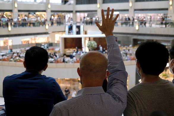 Mỹ đang cân nhắc tới việc chào đón người dân và doanh nghiệp Hong Kong - Ảnh 1.