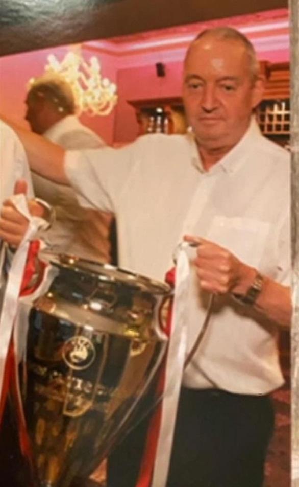 CĐV Liverpool qua đời vì COVID-19, người nhà yêu cầu điều tra trận gặp Atletico - Ảnh 1.