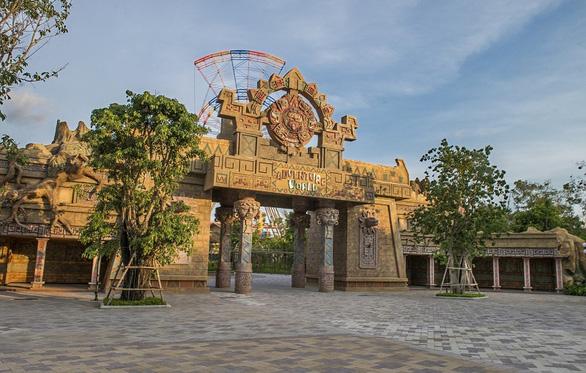 Khám phá công viên chủ đề lớn nhất Việt Nam - Ảnh 5.